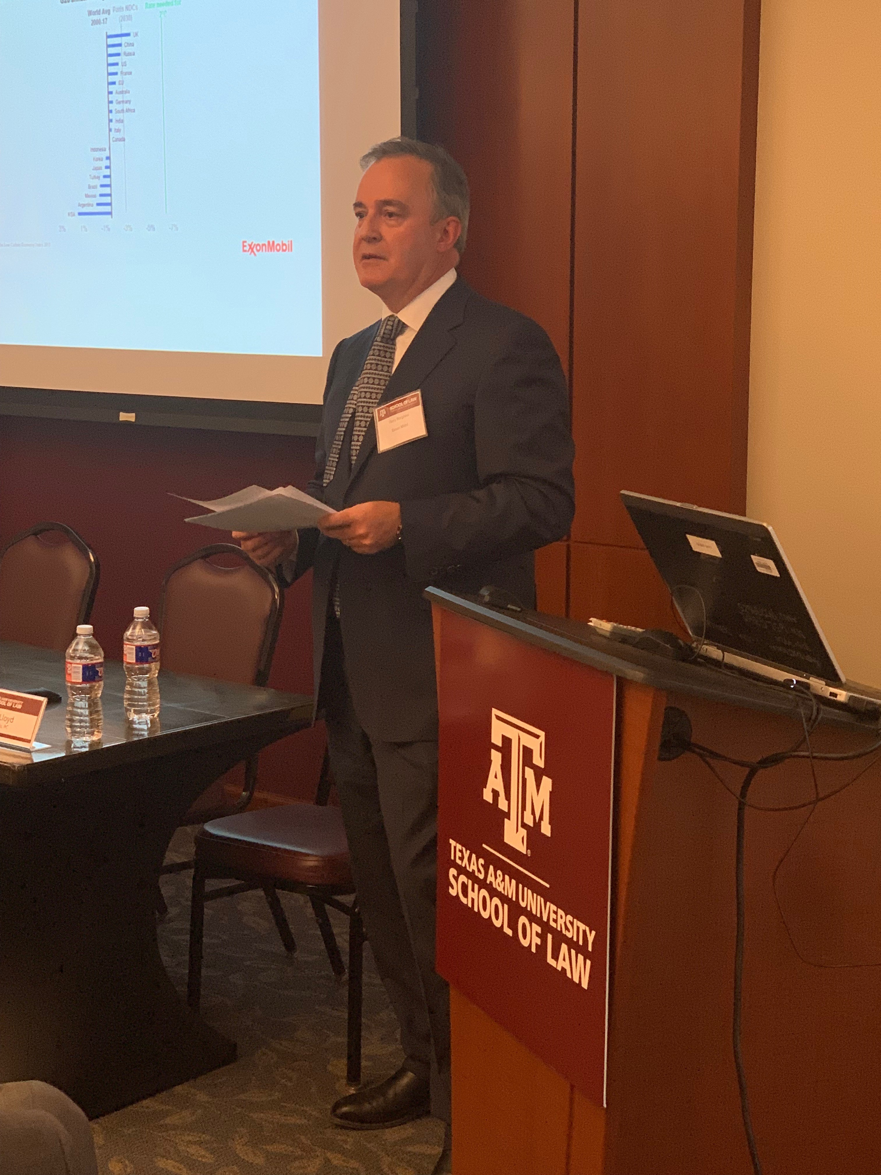 _ Lunchtime Keynote Speaker Gerry Borghesi with Exxon Mobil addresses 2019 Energy Law Symposium attendees-1